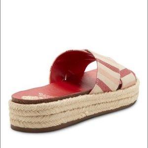 Vince Camuto Carran Platform Sandal Slide Red new